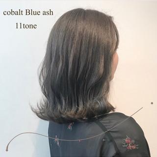 ミディアム ブルーアッシュ ナチュラル 透明感カラー ヘアスタイルや髪型の写真・画像