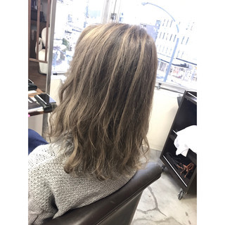 メッシュ ストリート グラデーションカラー バレイヤージュ ヘアスタイルや髪型の写真・画像