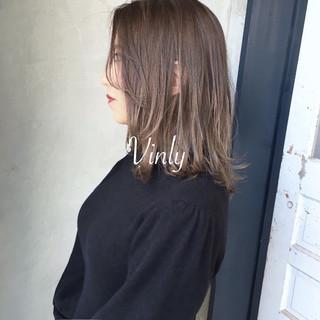 簡単ヘアアレンジ ナチュラル デート オフィス ヘアスタイルや髪型の写真・画像