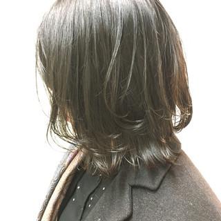 外ハネ ナチュラル 切りっぱなし ボブ ヘアスタイルや髪型の写真・画像