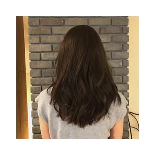 グレージュ セミロング フェミニン ハイライト ヘアスタイルや髪型の写真・画像