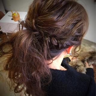 ポニーテール ロープ編み ヘアアレンジ 波ウェーブ ヘアスタイルや髪型の写真・画像