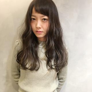 大人女子 ミルクティー ロング フリンジバング ヘアスタイルや髪型の写真・画像