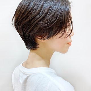 ナチュラル ハンサムショート パーマ 暗髪 ヘアスタイルや髪型の写真・画像