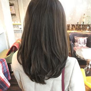 外国人風 コンサバ 黒髪 ゆるふわ ヘアスタイルや髪型の写真・画像