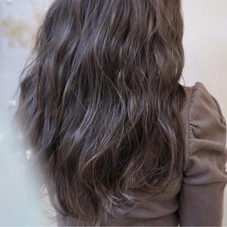 ハイライト 外国人風 暗髪 ロング ヘアスタイルや髪型の写真・画像