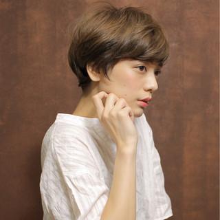 ショート かわいい ナチュラル 大人女子 ヘアスタイルや髪型の写真・画像