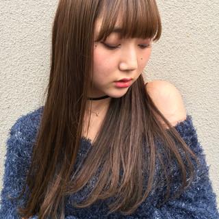 グレージュ 外国人風カラー アッシュ エレガント ヘアスタイルや髪型の写真・画像