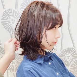 ミディアムレイヤー 大人かわいい ナチュラル レイヤーヘアー ヘアスタイルや髪型の写真・画像