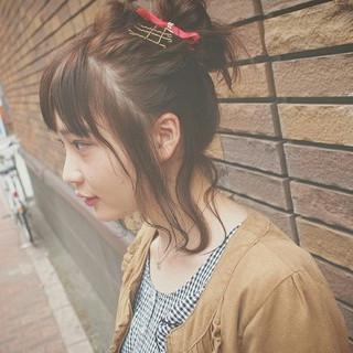 ショート お団子 簡単ヘアアレンジ フェミニン ヘアスタイルや髪型の写真・画像