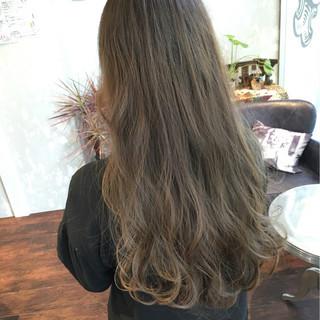 冬 ナチュラル ロング ハイライト ヘアスタイルや髪型の写真・画像
