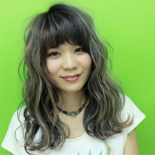 ゆるふわ グラデーションカラー セミロング 波ウェーブ ヘアスタイルや髪型の写真・画像