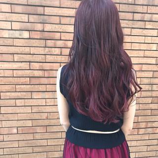 アンニュイ ピンク インナーカラー レッド ヘアスタイルや髪型の写真・画像