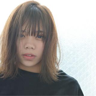 小顔 ナチュラル ミルクティー 前髪あり ヘアスタイルや髪型の写真・画像
