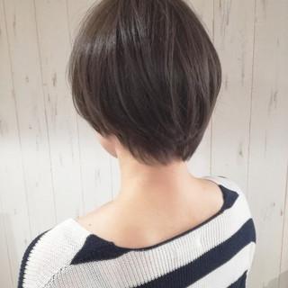 ショート アッシュ ショートボブ 大人女子 ヘアスタイルや髪型の写真・画像