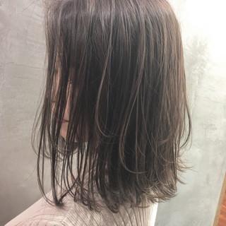 アウトドア アンニュイほつれヘア ミディアム ヘアアレンジ ヘアスタイルや髪型の写真・画像