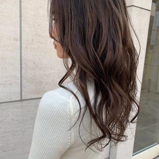 外国人風カラー ミルクティーグレージュ ロング ハイライト ヘアスタイルや髪型の写真・画像