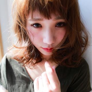 パーマ アッシュ 前髪あり ナチュラル ヘアスタイルや髪型の写真・画像