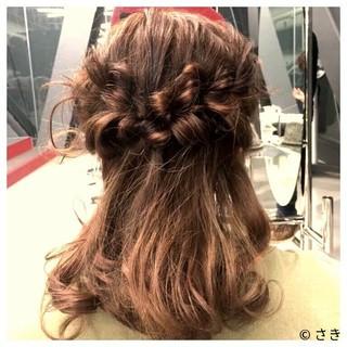 ガーリー セミロング レッド ヘアアレンジ ヘアスタイルや髪型の写真・画像