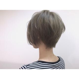外国人風 ストリート かき上げ前髪 ショート ヘアスタイルや髪型の写真・画像