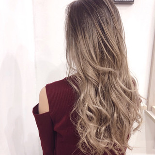 ハイトーン バレイヤージュ ナチュラル ハイライト ヘアスタイルや髪型の写真・画像