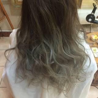 ブルーアッシュ グラデーションカラー ロング 渋谷系 ヘアスタイルや髪型の写真・画像
