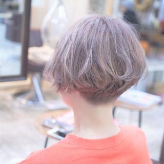 アッシュ ダブルカラー ショート モード ヘアスタイルや髪型の写真・画像