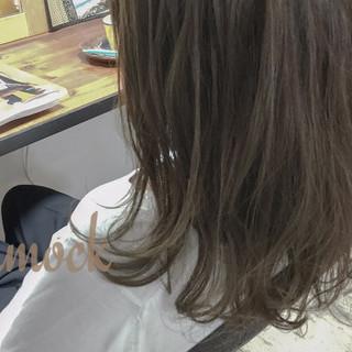 外国人風 ナチュラル グラデーションカラー ゆるふわ ヘアスタイルや髪型の写真・画像