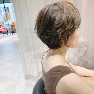 大人ハイライト ハイライト ショートボブ デザインカラー ヘアスタイルや髪型の写真・画像