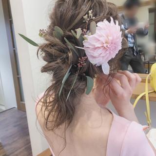 ガーリー 結婚式 セミロング アンニュイほつれヘア ヘアスタイルや髪型の写真・画像