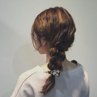 簡単ヘアアレンジ 三つ編み セミロング 無造作 ヘアスタイルや髪型の写真・画像