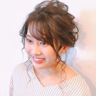 アップスタイル ヘアアレンジ セミロング シニヨン ヘアスタイルや髪型の写真・画像