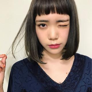 大人かわいい ナチュラル グレージュ 切りっぱなし ヘアスタイルや髪型の写真・画像