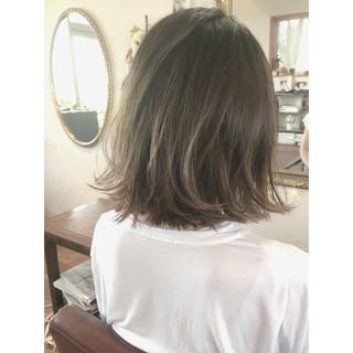 グレージュ ボブ ストリート グラデーションカラー ヘアスタイルや髪型の写真・画像