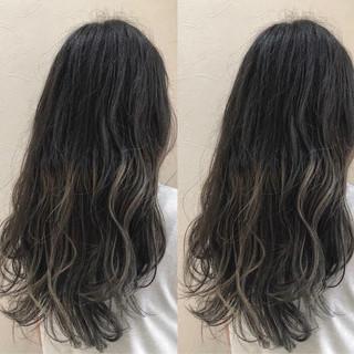 外国人風カラー セミロング グラデーションカラー 上品 ヘアスタイルや髪型の写真・画像