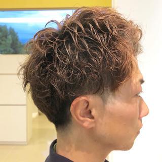 スパイラルパーマ ショートレイヤー ショート アップバング ヘアスタイルや髪型の写真・画像