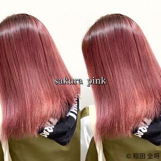 ヘアカラー ベリーピンク ピンクベージュ ピンク ヘアスタイルや髪型の写真・画像