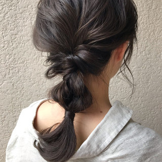 簡単ヘアアレンジ セミロング ナチュラル アウトドア ヘアスタイルや髪型の写真・画像