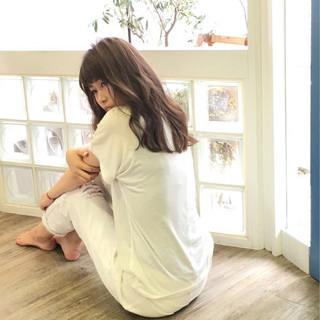 アッシュ ガーリー ピュア ミディアム ヘアスタイルや髪型の写真・画像