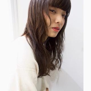 セミロング ナチュラル 秋 透明感 ヘアスタイルや髪型の写真・画像