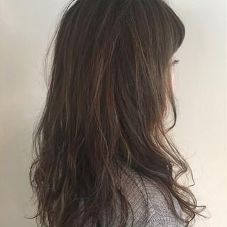 パーマ 外国人風 ハイライト ロング ヘアスタイルや髪型の写真・画像