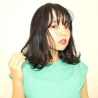 前髪あり ミディアム ナチュラル ワイドバング ヘアスタイルや髪型の写真・画像
