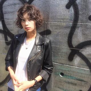 くせ毛風 パーマ ストリート ショート ヘアスタイルや髪型の写真・画像