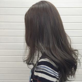 暗髪 ダークアッシュ オフィス 外国人風 ヘアスタイルや髪型の写真・画像