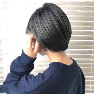 バレイヤージュ グラデーションカラー グレー グレージュ ヘアスタイルや髪型の写真・画像