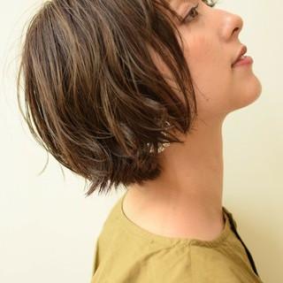 ナチュラル 色気 ショート ハイライト ヘアスタイルや髪型の写真・画像