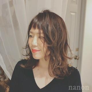 前髪あり ナチュラル ゆるふわ オフィス ヘアスタイルや髪型の写真・画像