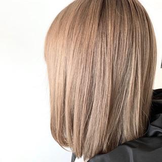フェミニン ミルクティーベージュ ボブ 透明感カラー ヘアスタイルや髪型の写真・画像
