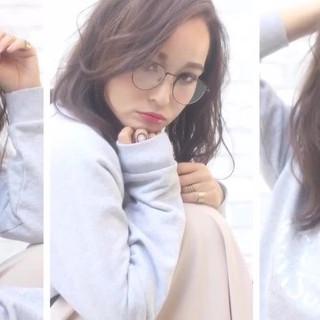かわいい 寝癖 アンニュイ 透明感 ヘアスタイルや髪型の写真・画像