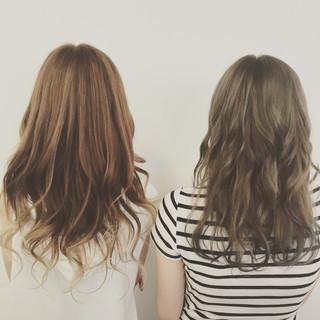 ゆるふわ グラデーションカラー ハイライト 外国人風 ヘアスタイルや髪型の写真・画像